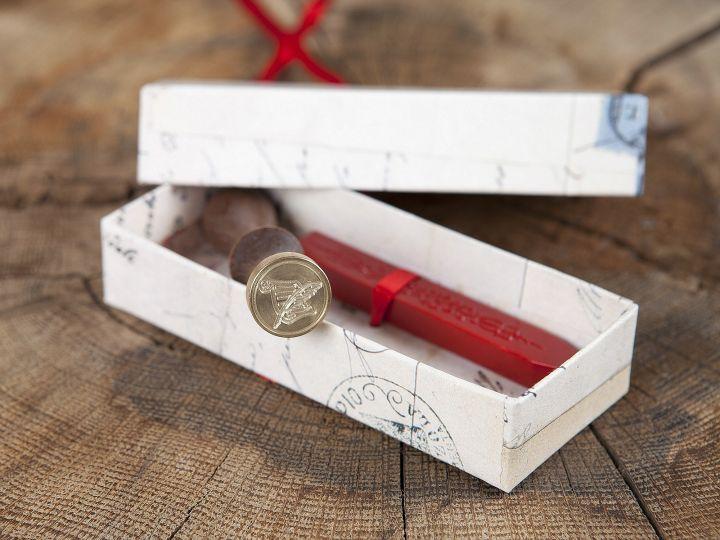 Siegel mit Siegellack - Geschenkbox Blatt mit Feder 4