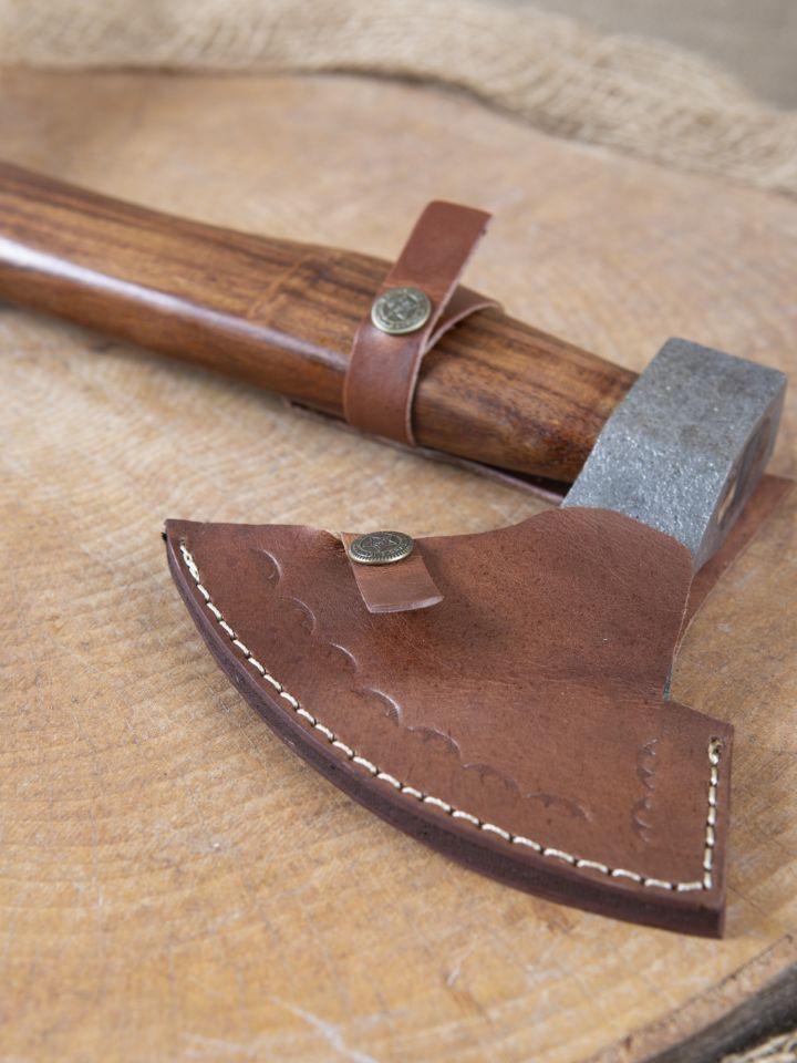 Kräftige Axt mit geschwungenem Holzgriff 5