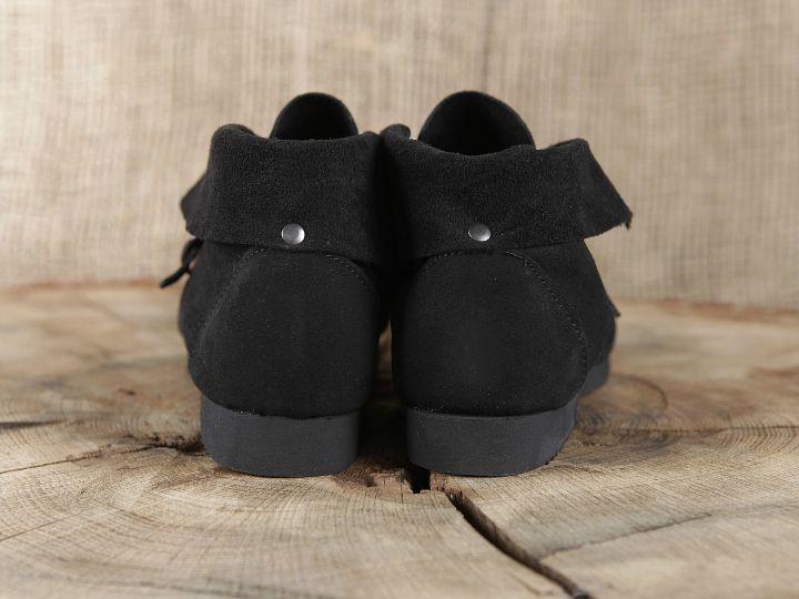 Historische Schuhe mit Schnalle 5