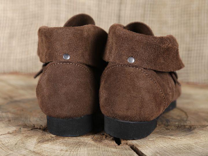 Historische Schuhe mit Schnalle 6