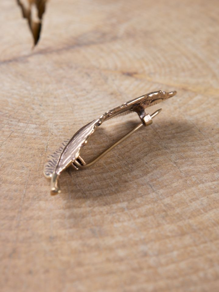 Feder-Fibel aus Bronze 6