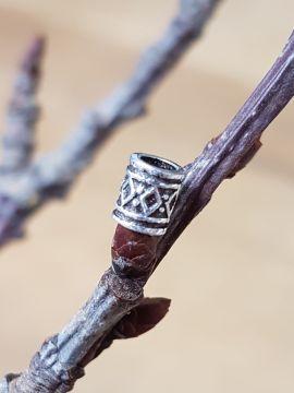 Kleine Wikingerperle mit Rautenmuster einzeln