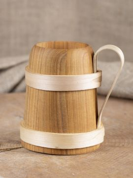 Bierhumpen aus Holz