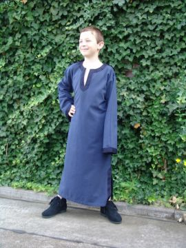 Kindertunika mit Borte 134/140 | blau